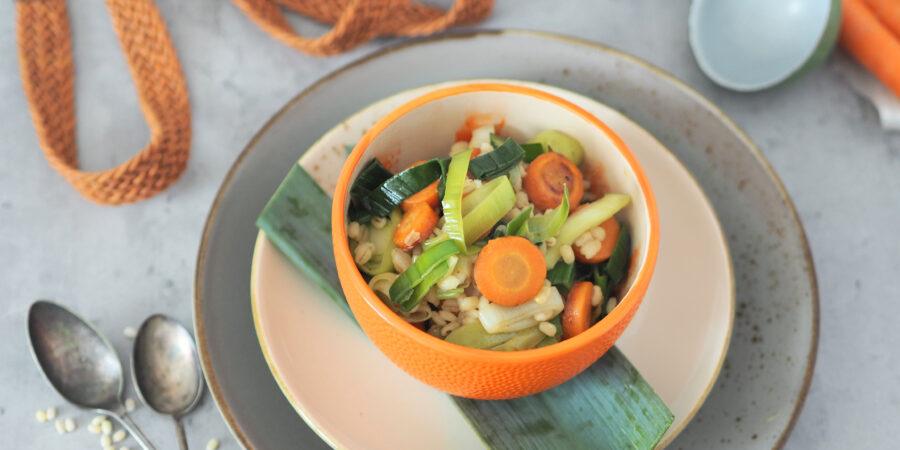 Rollgersten Salat I mit Karotte und Porree I Kindheitsrezept