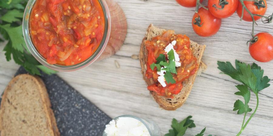 Zacuscă I Brotaufstrich aus Melanzani, Paprika & Tomaten